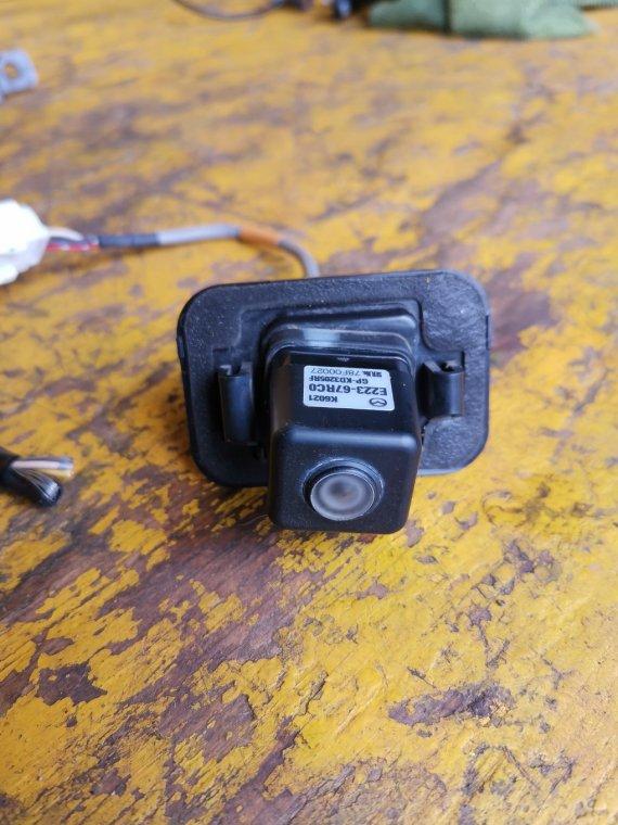 Камера заднего вида Mazda Cx-7 ER3P L3-VDT (б/у)
