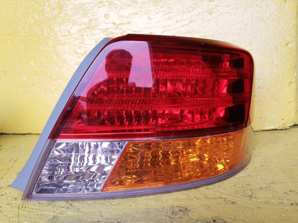 Стоп-сигнал Toyota Allion ZRT265 2ZR-FE правый (б/у)