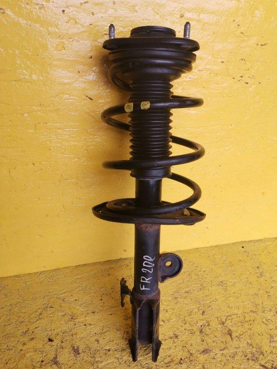 Стойка Toyota Rav4 ACA31 2AZFE передняя правая (б/у)