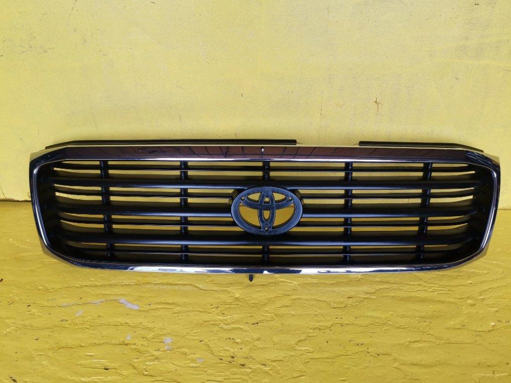 Решетка радиатора Toyota Land Cruiser UZJ100 (б/у)