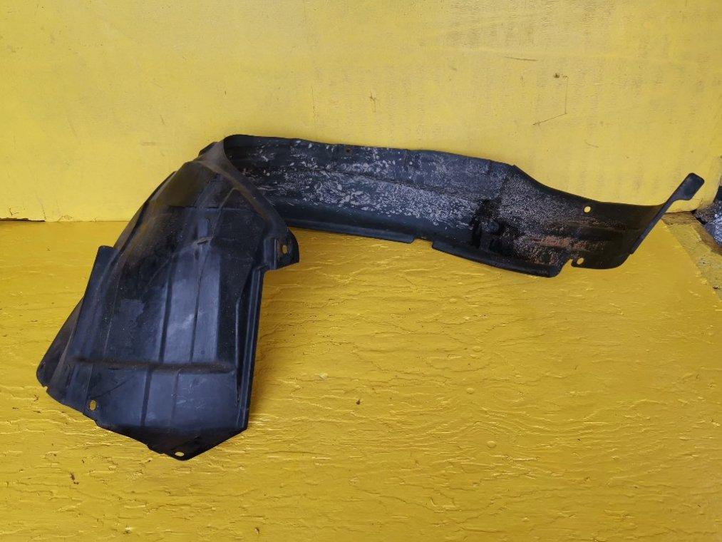 Подкрылок Suzuki Escudo TD54W J20A передний правый (б/у)