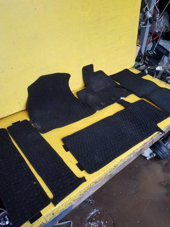 Коврики комплект Toyota Voxy ZRR80 3ZRFAE (б/у)