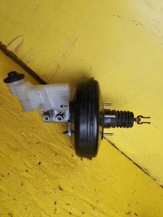 Главный тормозной цилиндр Toyota Vitz NSP135 1NRFE 4WD> (б/у)