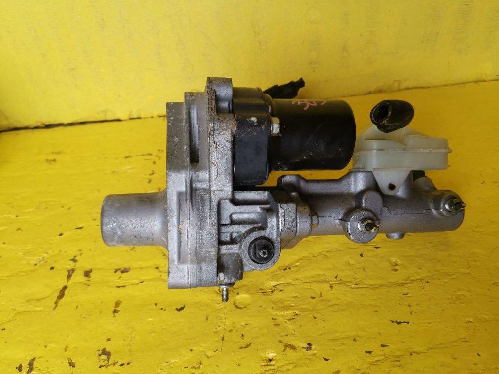 Главный тормозной цилиндр Honda Fit GP5 LEB-H1 (б/у)