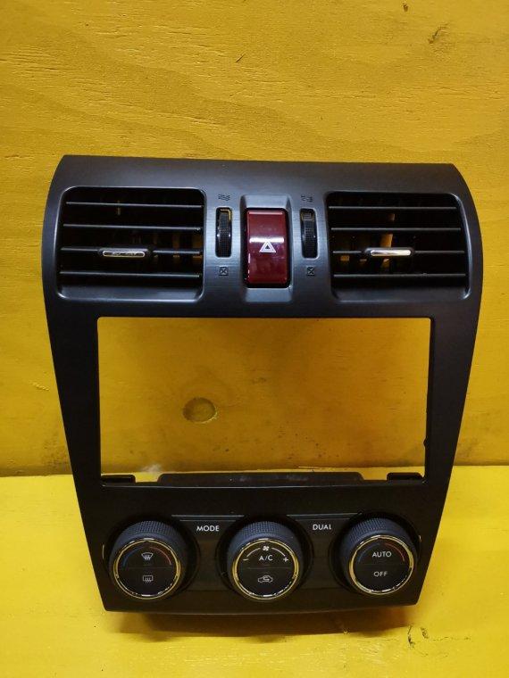 Консоль магнитофона Subaru Impreza GP7 FB20 (б/у)