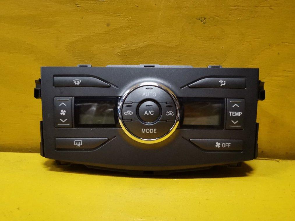 Блок управления климат-контролем Toyota Corolla Axio NZE144 1NZ-FE (б/у)