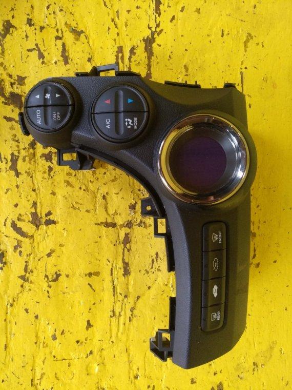 Блок управления климат-контролем Honda Fit Shuttle GP2 LDA (б/у)