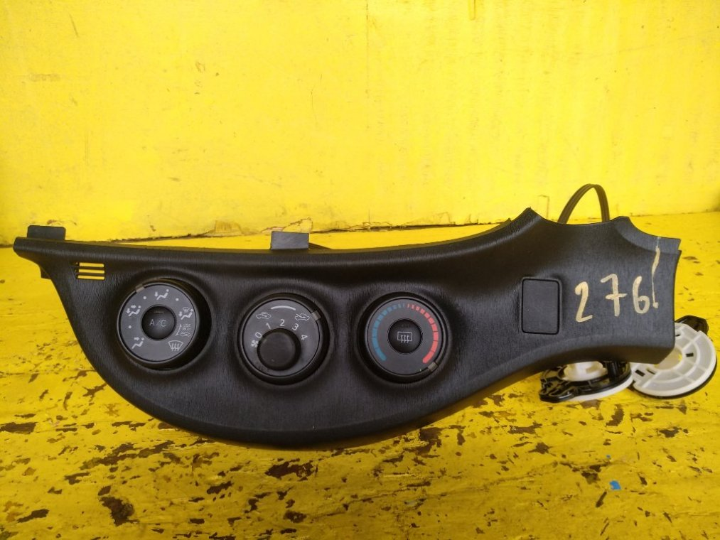 Блок управления климат-контролем Toyota Vitz NSP135 1NRFE (б/у)