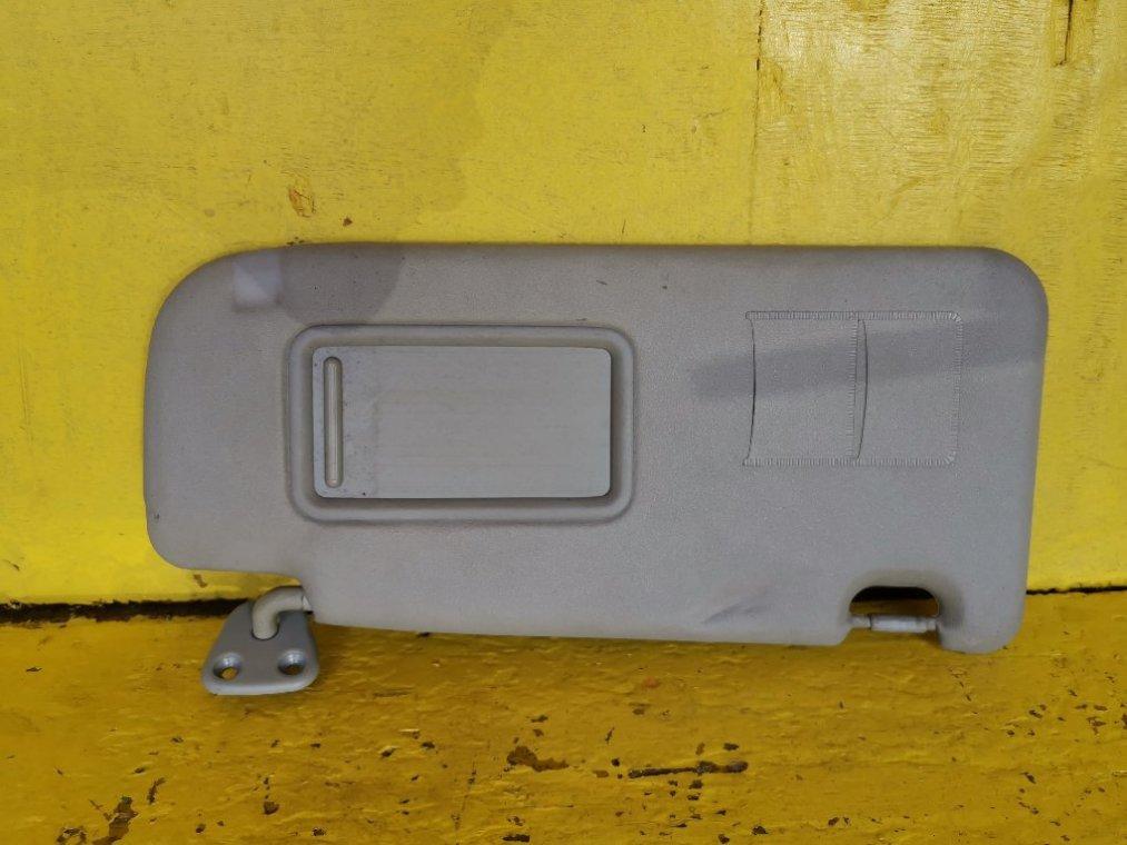 Козырек солнцезащитный Daihatsu Bego J210G 3SZVE передний правый (б/у)