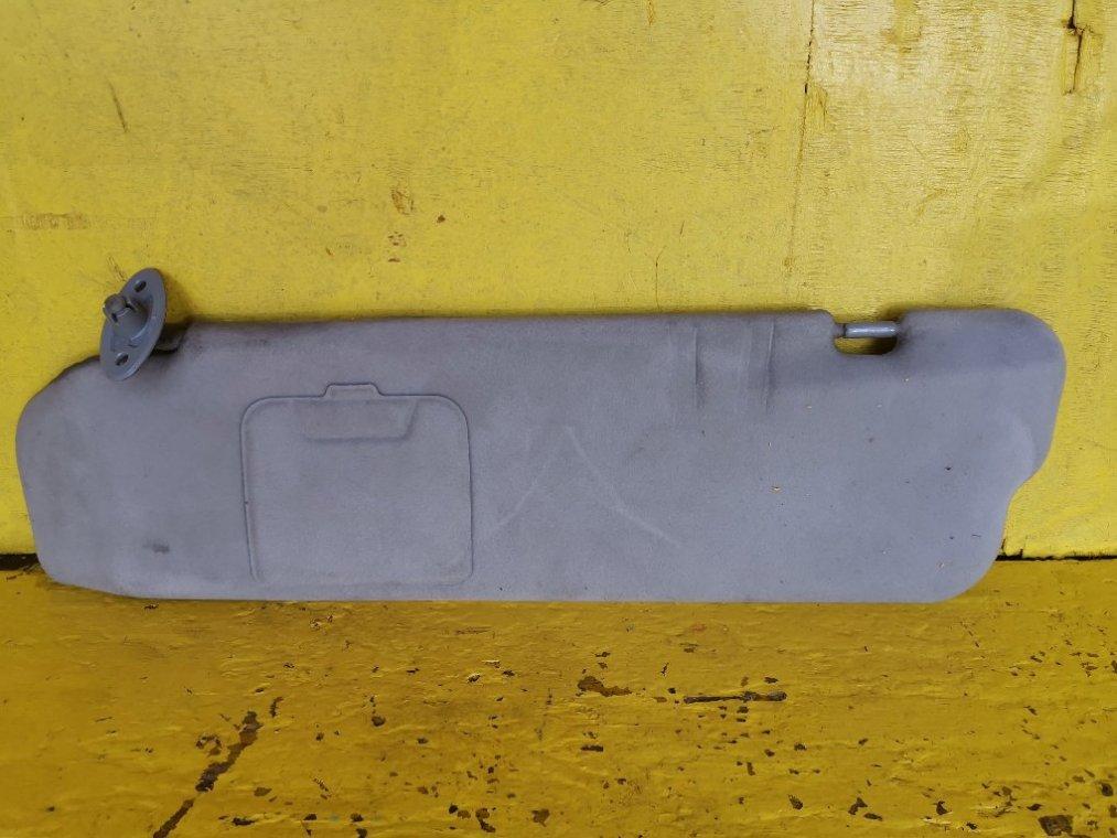 Козырек солнцезащитный Toyota Granvia KCH16W 1KZTE передний левый (б/у)