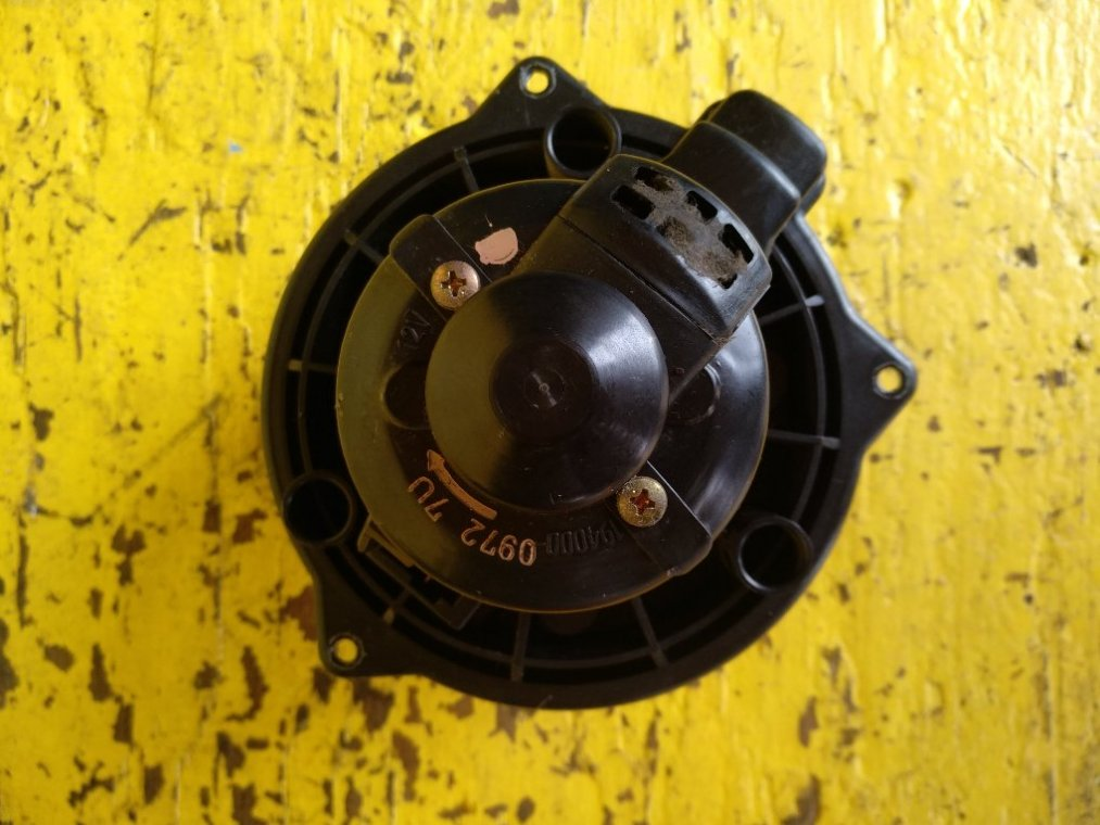 Мотор печки Suzuki Jimny Wide JB33W G13B (б/у)