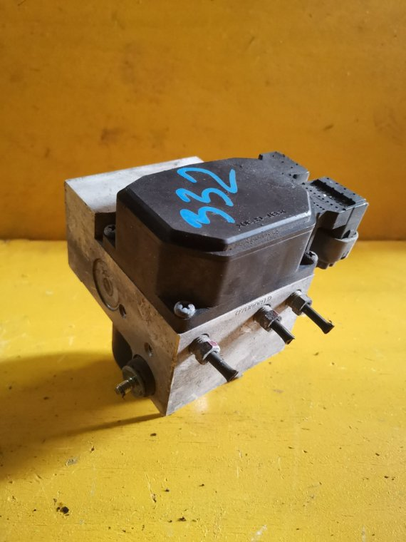 Блок abs Suzuki Jimny Wide JB33W G13B (б/у)