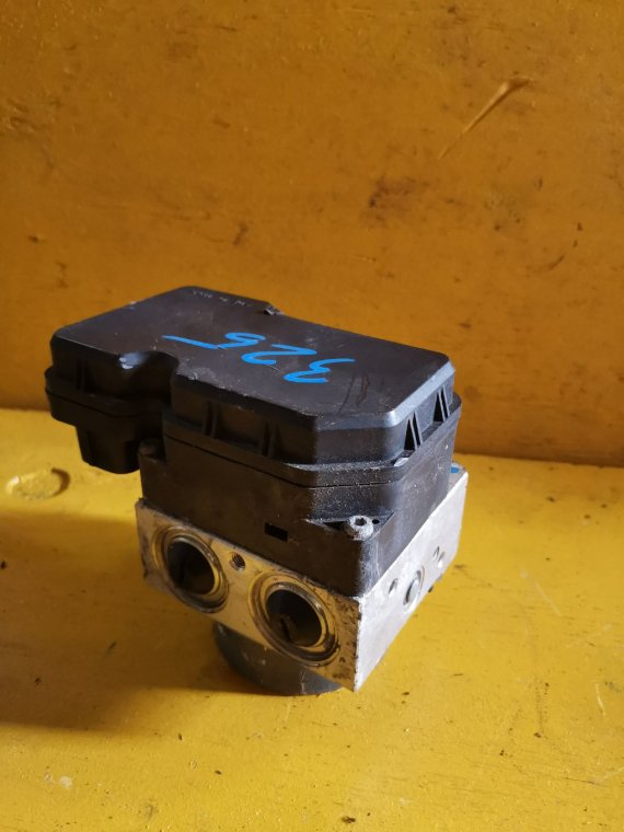 Блок abs Toyota Allion ZRT265 2ZR-FE (б/у)