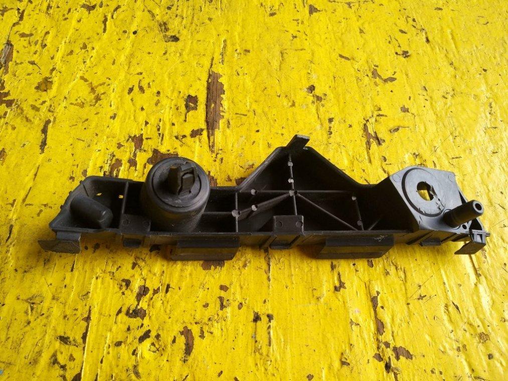 Крепеж бампера Mazda Cx-7 ER3P L3-VDT передний правый (б/у)