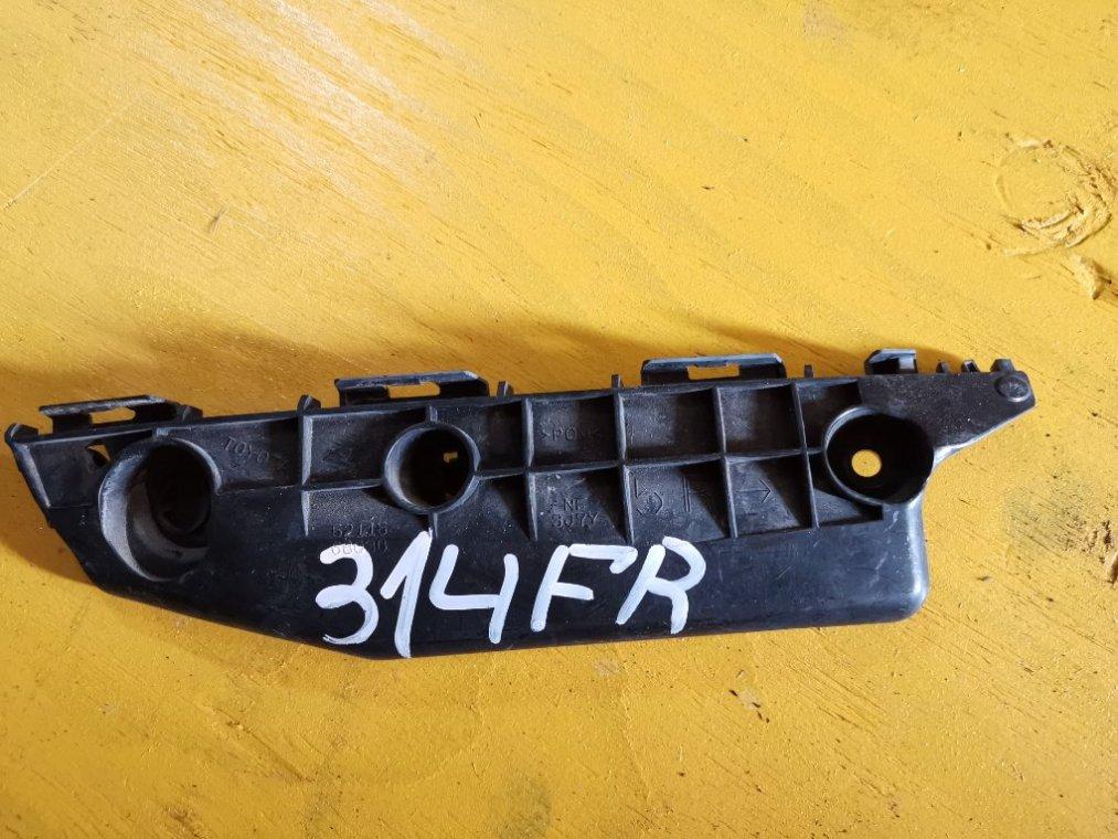 Крепеж бампера Toyota Wish ZGE20 2ZR-FAE передний правый (б/у)