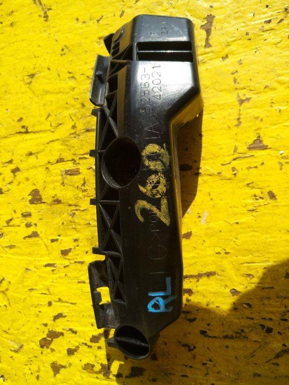 Крепеж бампера Toyota Vanguard ACA33 2AZFE задний левый (б/у)