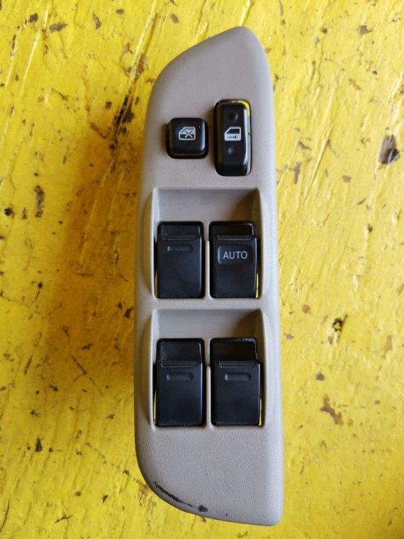 Кнопка стеклоподъемника Toyota Rav4 ACA21 1AZ-FSE передняя правая (б/у)