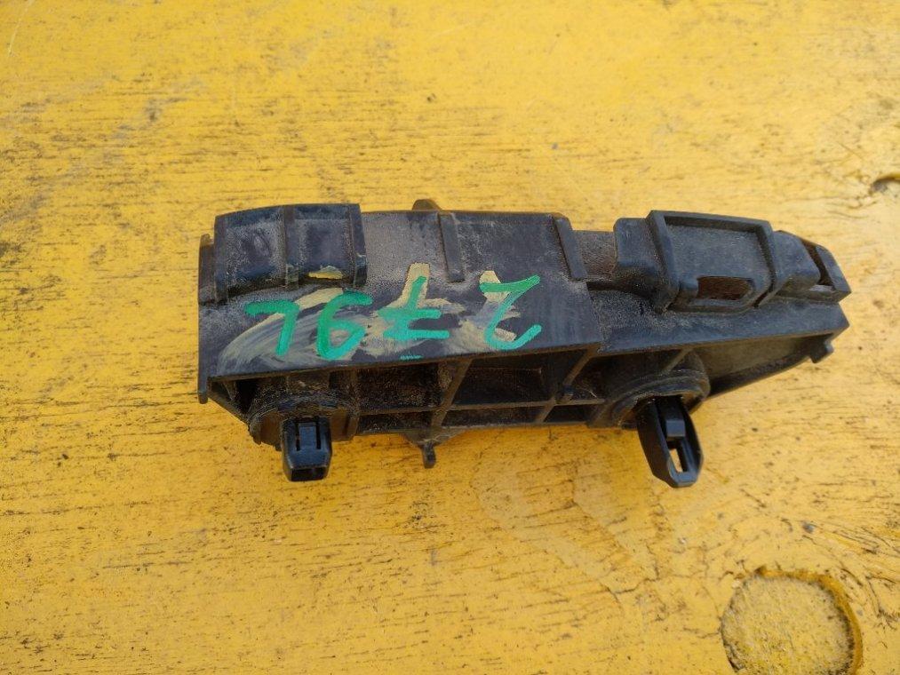 Крепеж бампера Toyota Corolla Fielder NZE144 1NZFE задний левый (б/у)