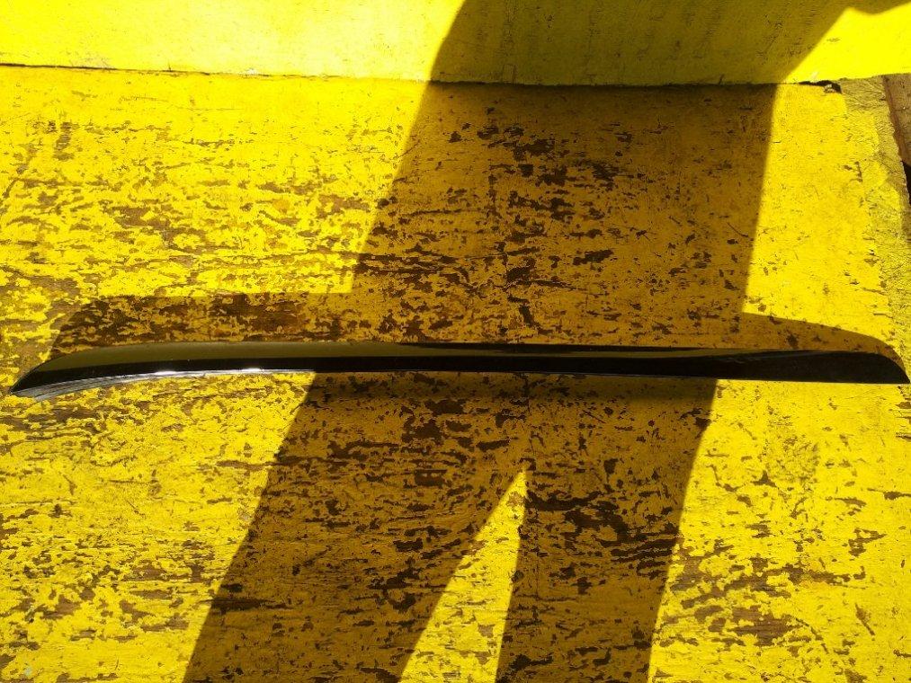 Молдинг лобового стекла Honda Odyssey RB3 K24A передний правый (б/у)