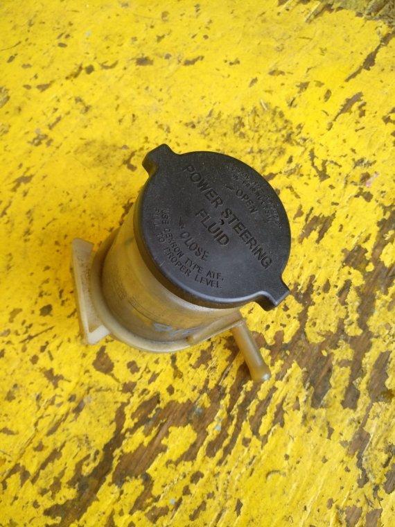 Бачок гидроусилителя Toyota Rav4 ACA21 1AZ-FSE (б/у)