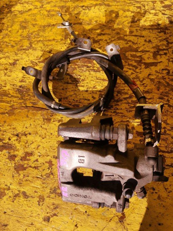 Суппорт Toyota Prius ZVW30 2ZR-FXE задний правый (б/у)