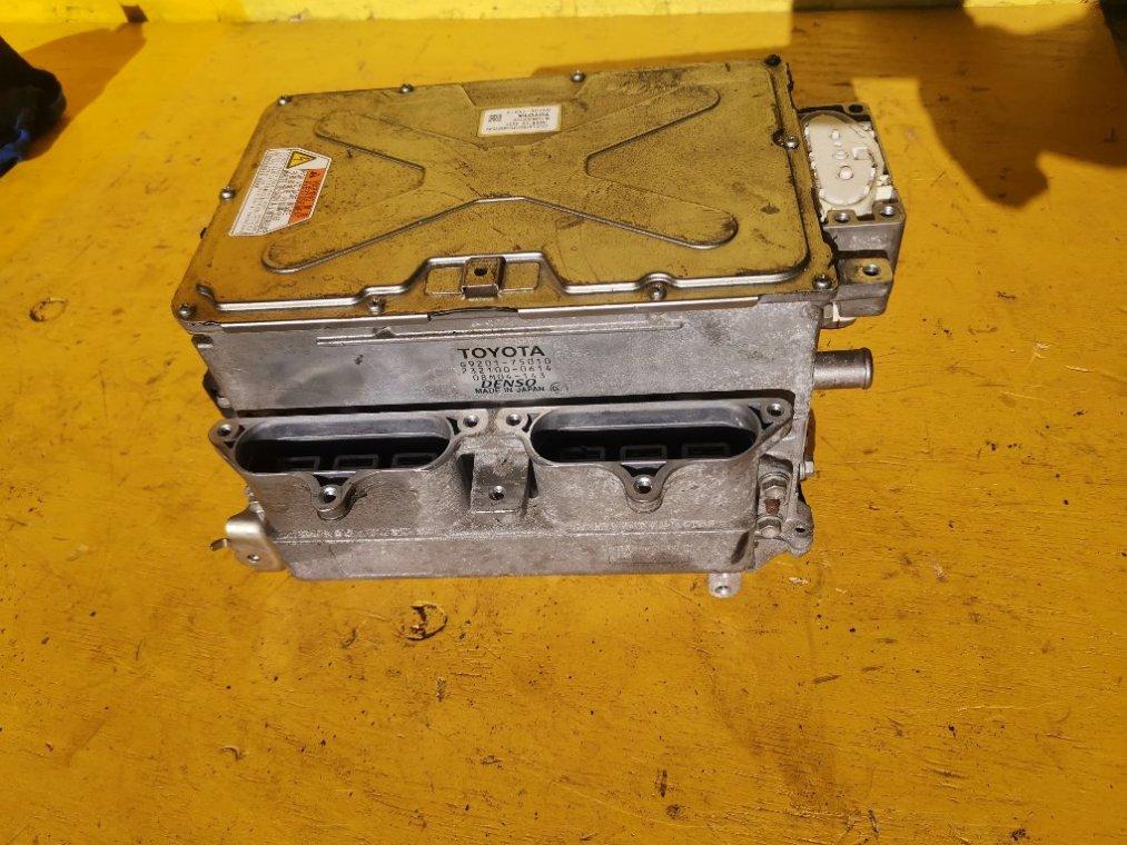 Инвертор Toyota Sai AZK10 2AZ-FXE передний (б/у)
