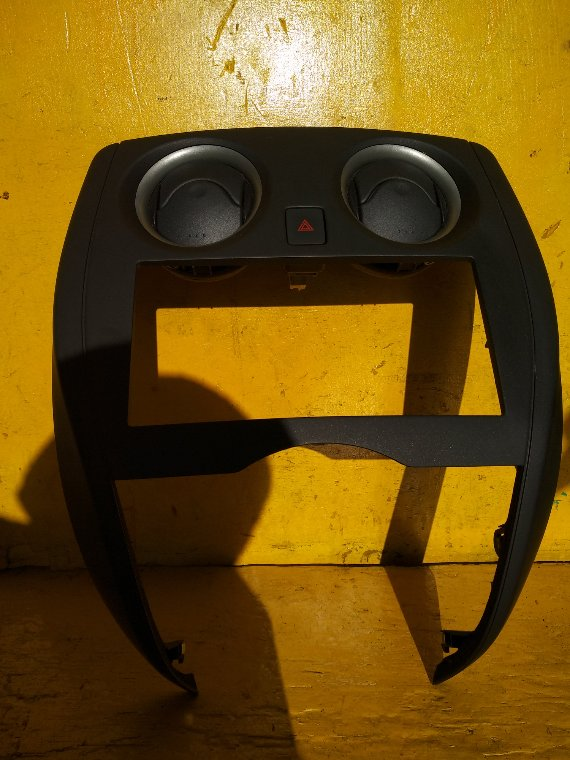Консоль магнитофона Nissan Note E12 HR12DE (б/у)