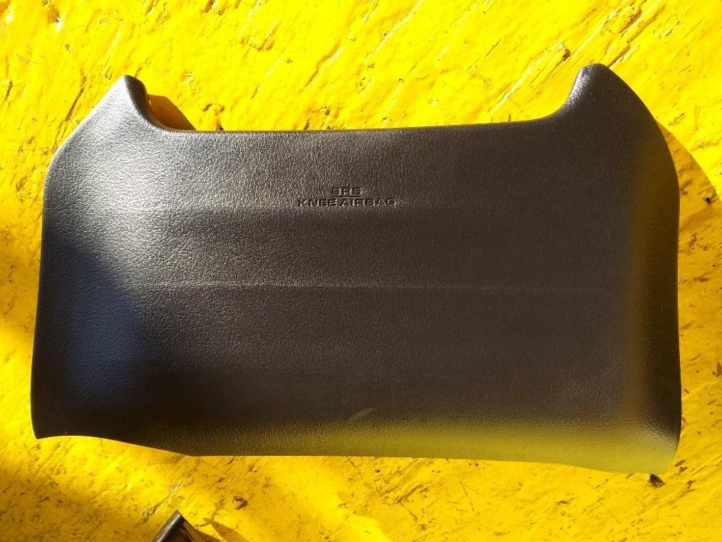 Airbag коленный Toyota Sai AZK10 2AZ-FXE (б/у)