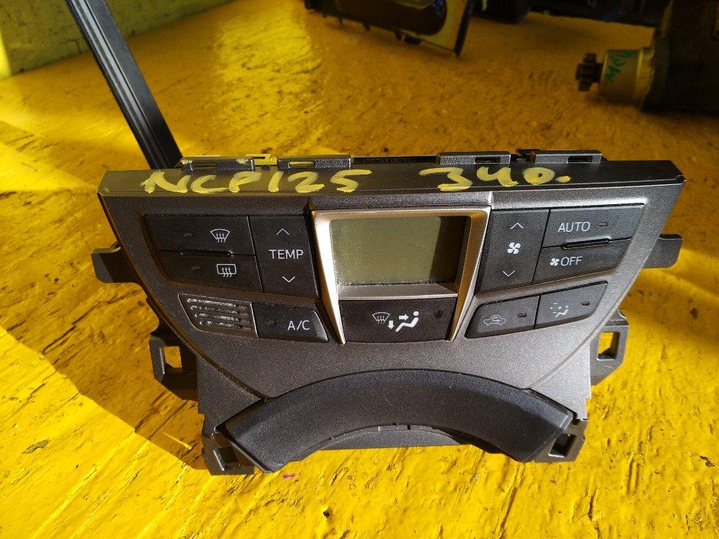 Блок управления климат-контролем Toyota Ractis NCP125 1NZ-FE (б/у)