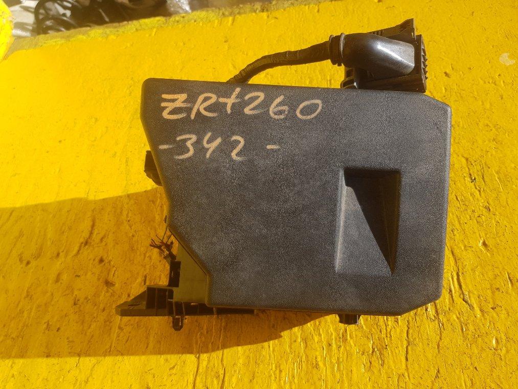 Блок предохранителей Toyota Allion ZRT260 2ZR-FE (б/у)