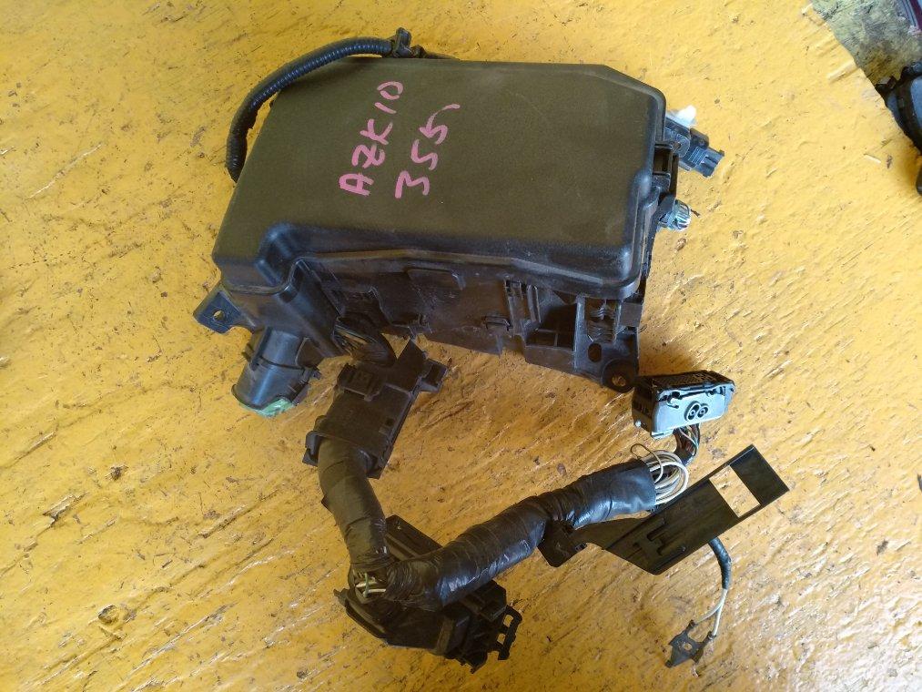 Блок предохранителей Toyota Sai AZK10 2AZ-FXE (б/у)