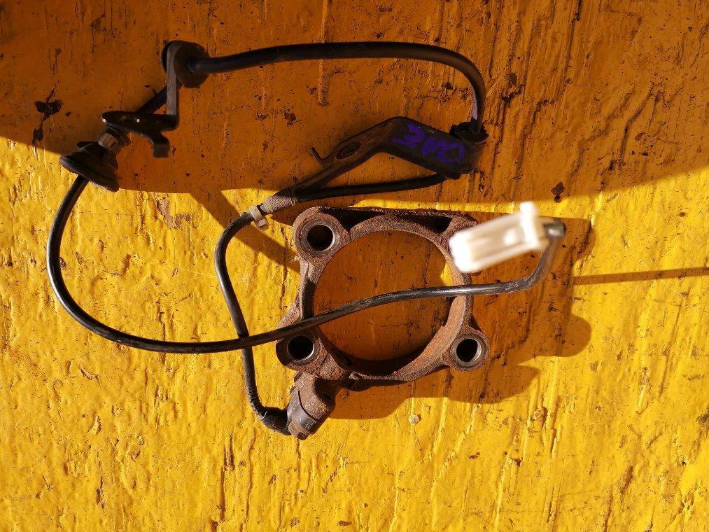 Датчик abs Toyota Ractis NCP125 1NZ-FE задний левый (б/у)
