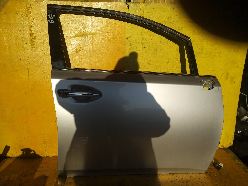 Дверь Toyota Sai AZK10 2AZ-FXE передняя правая (б/у)