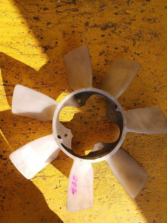 Вентилятор вязкомуфты Toyota Hilux Surf RZN215 3RZ-FE (б/у)