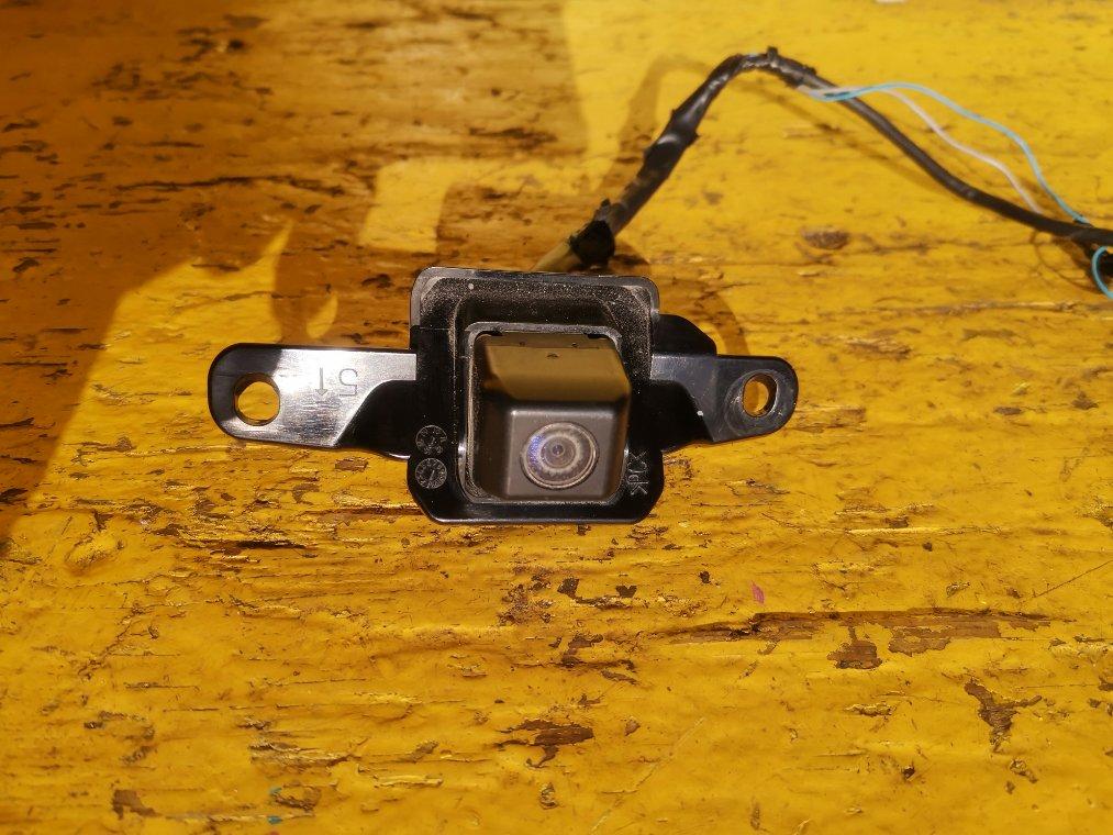 Камера заднего вида Toyota Sai AZK10 2AZ-FXE (б/у)