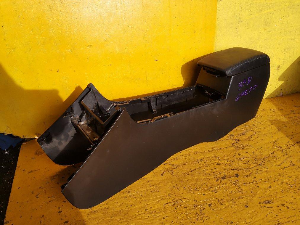 Бардачок между сиденьями Mazda Atenza GHEFP LF (б/у)