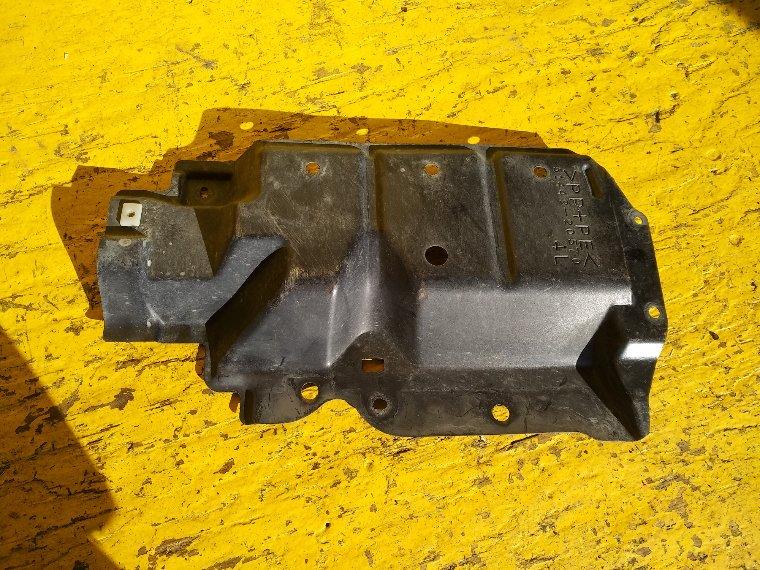 Защита двигателя Toyota Premio ZRT265 2ZR-FE левая (б/у)