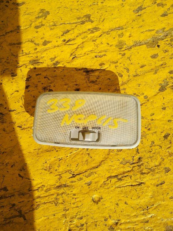 Светильник салона Toyota Ist NCP115 1NZ-FE (б/у)