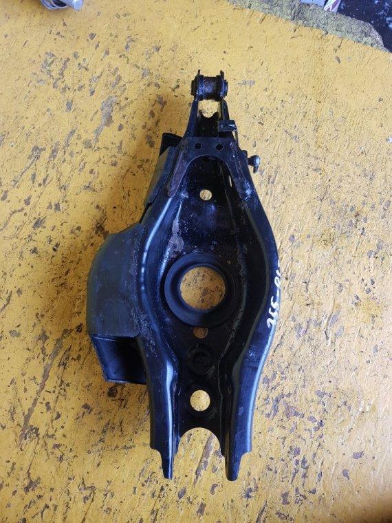 Рычаг Toyota Sai AZK10 2AZ-FXE задний левый (б/у)