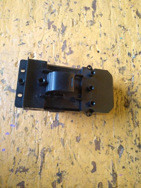 Кнопка стеклоподъемника Honda Stepwgn RK1 R20A передняя левая (б/у)
