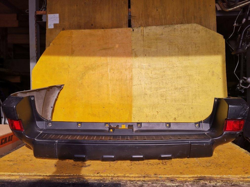 Бампер Toyota Hilux Surf RZN215 3RZ-FE задний (б/у)