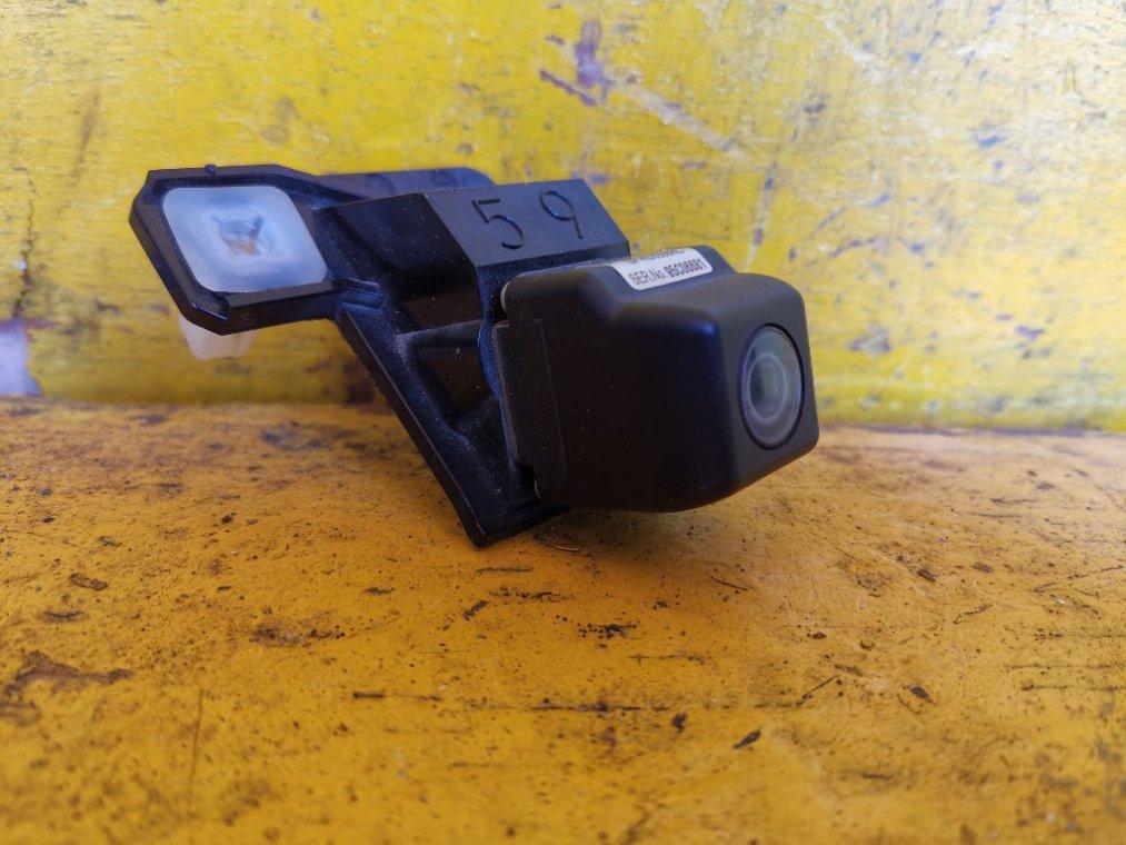 Камера заднего вида Toyota Prius ZVW30 2ZR-FXE (б/у)