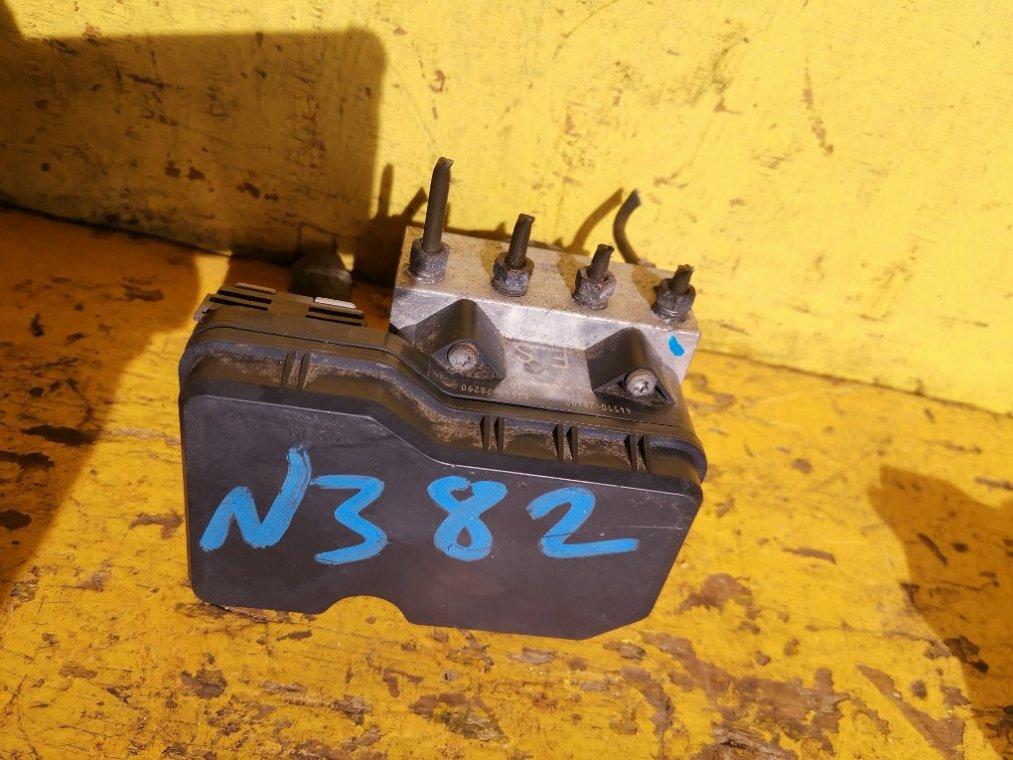 Блок abs Toyota Noah ZRR75 3ZR-FAE (б/у)