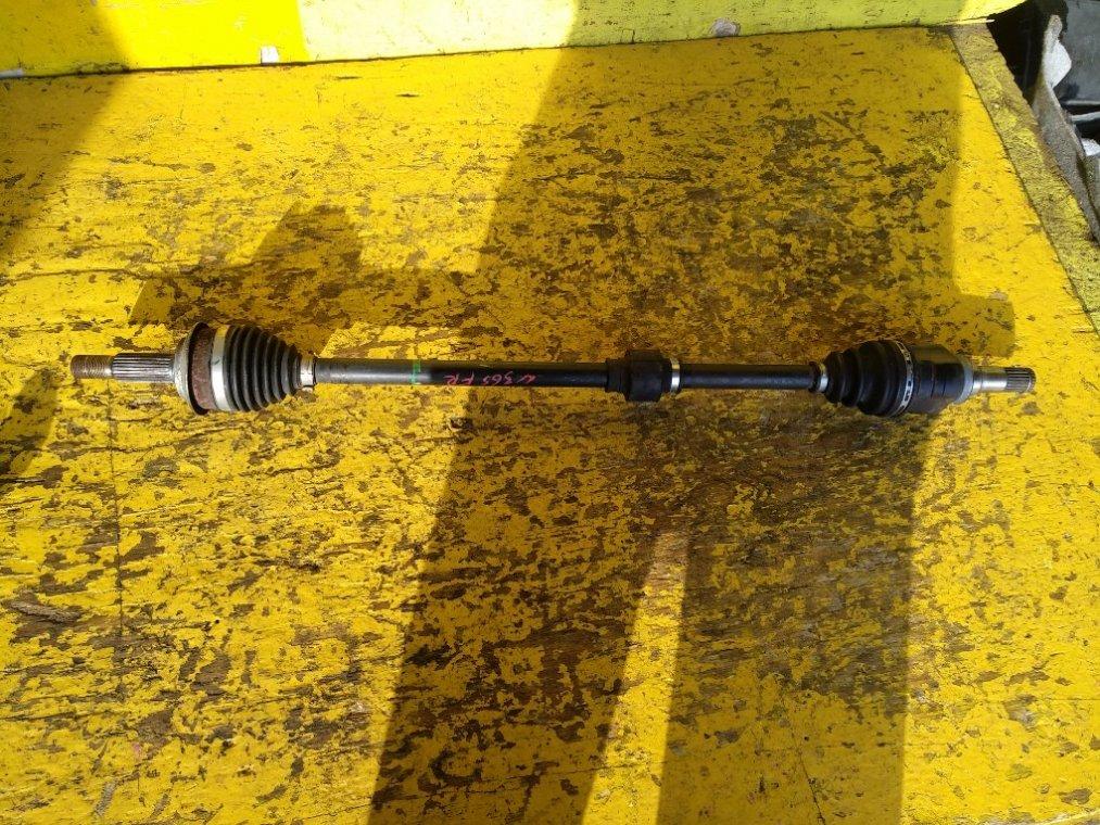 Привод Toyota Vitz KSP130 1KR-FE передний правый (б/у)