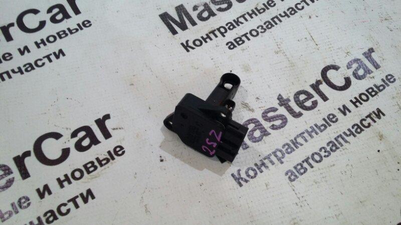 Датчик расхода воздуха Toyota Vitz SCP90 2SZFE (б/у) toyota 22204-22010