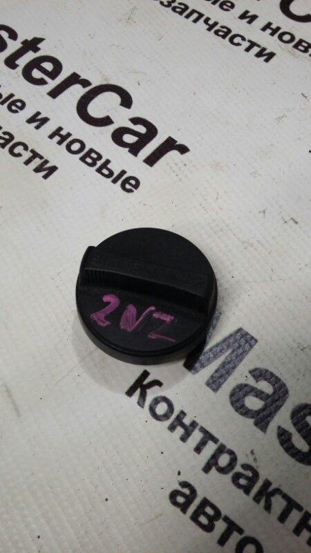 Крышка маслозаливной горловины Toyota Ist NCP60 2NZFE (б/у) toyota 12180-21010