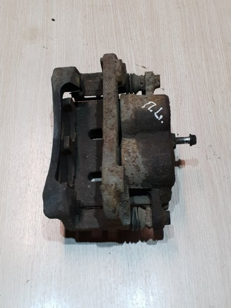 Суппорт Infiniti Qx56 Z62 5.6 405 Л.С 2011 передний левый (б/у)