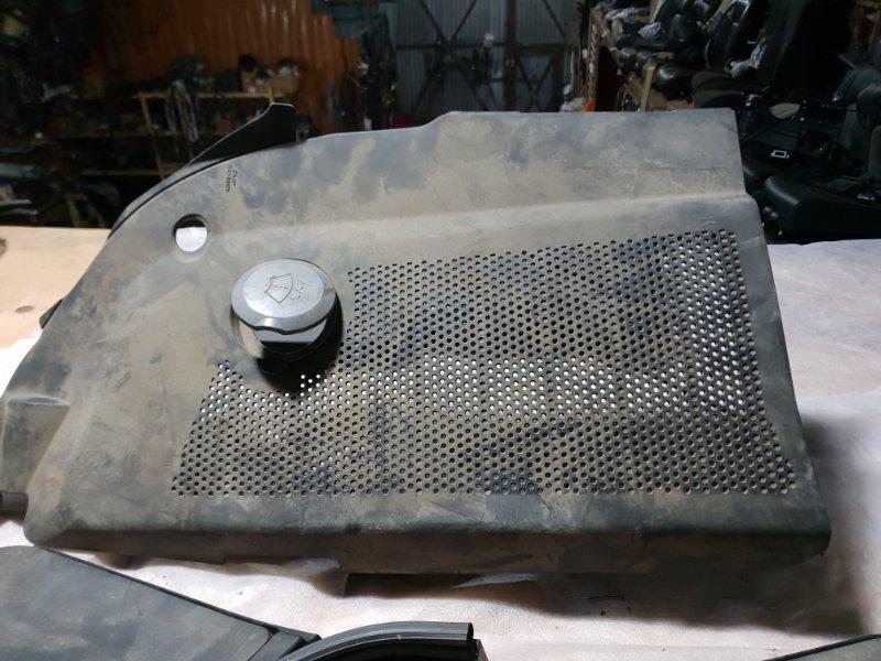 Накладка радиатора Infiniti M Y50 3.5 280 Л.С 2007 (б/у)