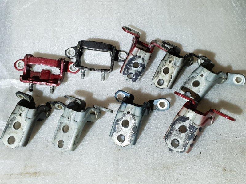 Петля двери Nissan Juke I 1.6 Л / 117 Л.С. 2012 (б/у)