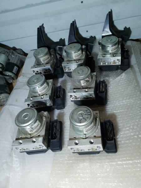 Блок abs Nissan Juke I 1.6 Л / 117 Л.С. 2012 (б/у)